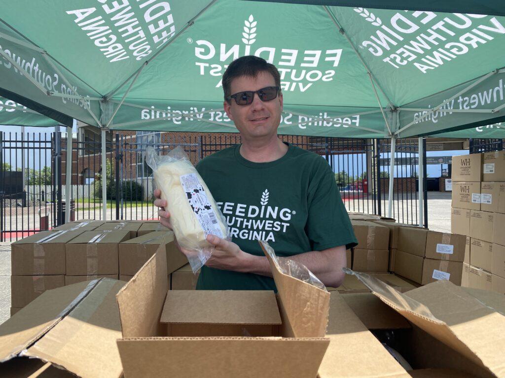 Chris Bishop volunteering